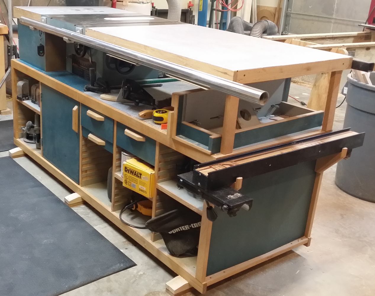 A classic workhorse turns 20 diary of a wood nerd table saw front view greentooth Image collections